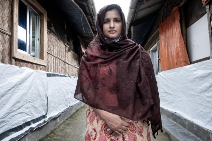 Kawsar tiene 27 años y vive en un campo de refugiados rohingya en la zona de Goyalmara con seis familiares. Bangladesh, julio de 2021