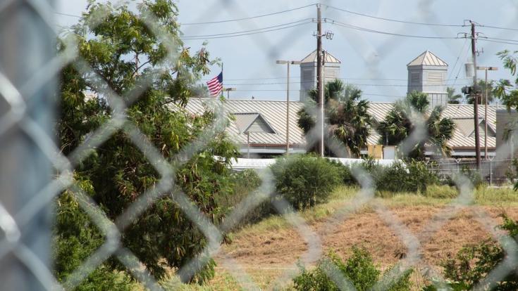 Vista desde el campamento que se ha asentado a la orilla del río Grande en la frontera entre Matamoros (México) y Brownsville (Texas, EE.UU.) donde habitan solicitantes de asilo mexicanos, sin ninguna respuesta o solución sobre su proceso. Debido a la pan