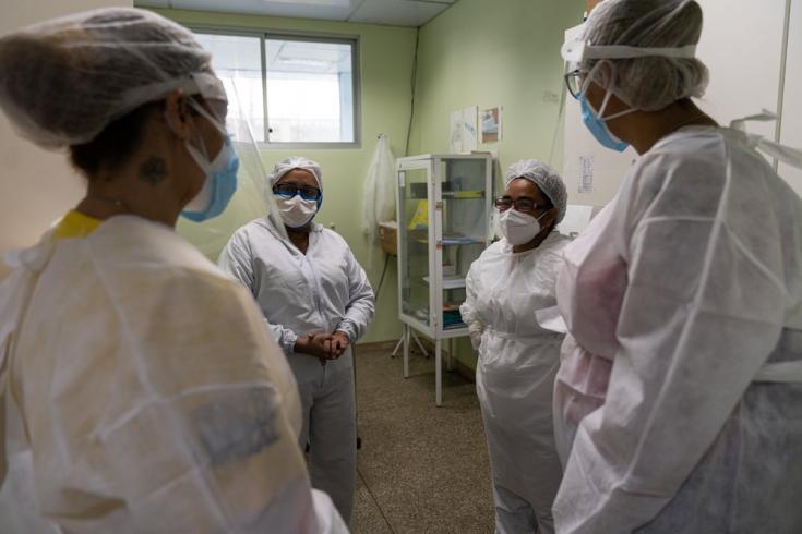 La pandemia ha tenido un enorme impacto psicológico en los trabajadores de la salud en Manaos. MSF está tratando de abordarlo con equipos de salud mental en la Unidad de Emergencia José Rodrigues (UPA) - en esta foto - y en el Hospital 28 de Agosto en Man