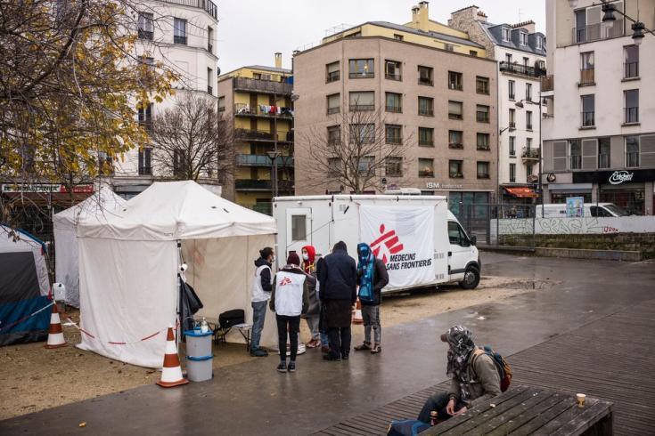 Clínicas móviles de MSF en París, Francia