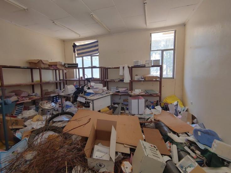 Centro de salud de Sebeya, en el este de Tigray, después de haber sido saqueado.
