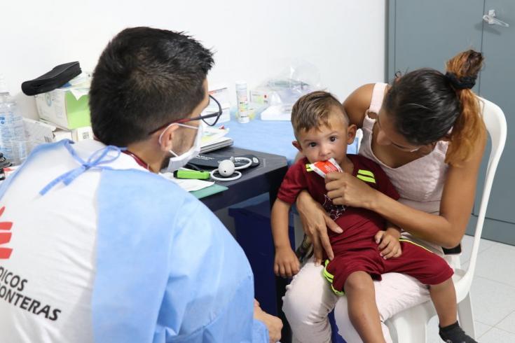 La presencia de MSF en los asentamientos informales de La Gabarra busca fortalecer las actividades de promoción y prevención de la salud como componente clave de la salud integral de los migrantes venezolanos y colombianos que han regresado a esta región.