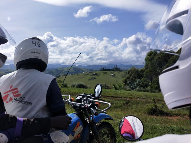 Viaje en moto por los cerros del Congo