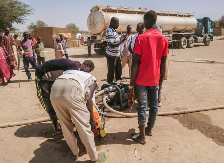 Agua potable en campo de refugiados