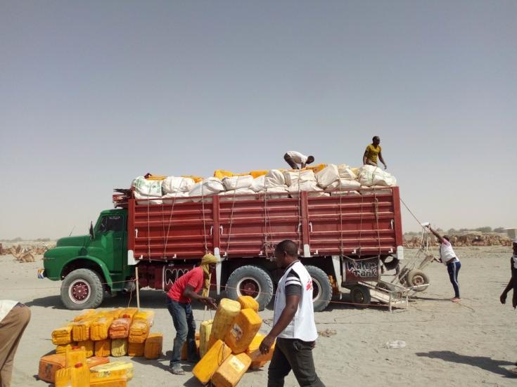 Distribución de artículos de primera necesidad en Níger
