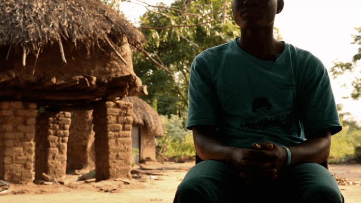 Niño que ha sido soldado en el conflicto de Sudán del Sur