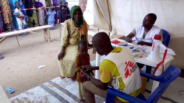 Unas 15.000 personas desplazadas vivían en agosto en el campo de Bama, bajo control militar, en la línea de fuego entre Boko Haram y el ejército nigeriano. © H. Khaldi/MSF