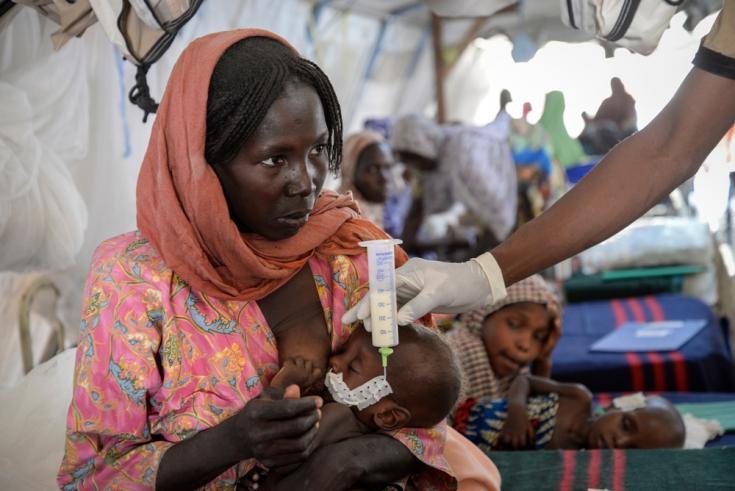 Abdul tenía 11 meses en noviembre, cuando fue admitido en el centro de tratamiento de desnutrición de MSF en Gwange, Maiduguri. © A. Baumel/MSF