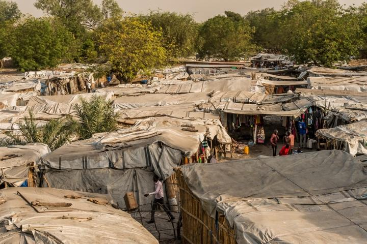 Refugio en Sudán de Sur para personas que huyen de la violencia.
