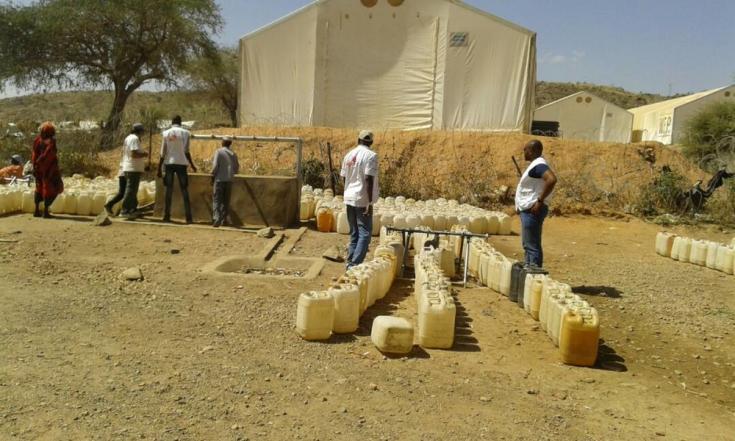 En Sortoni, las personas reciben una ración de 7,5 litros de agua por día.