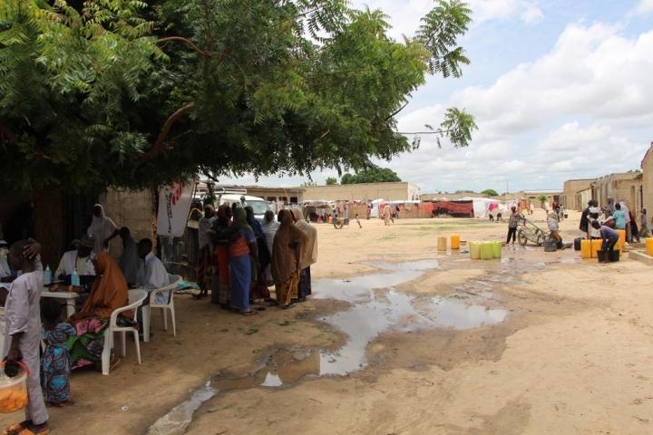 Muchos de ellos viven en campamentos establecidos de manera informal donde las necesidades básicas son insuficientes.