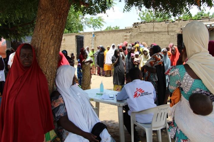 Campamentos establecidos de manera informal donde las necesidades básicas son insuficientes en Maiduguri, en el estado de Borno.