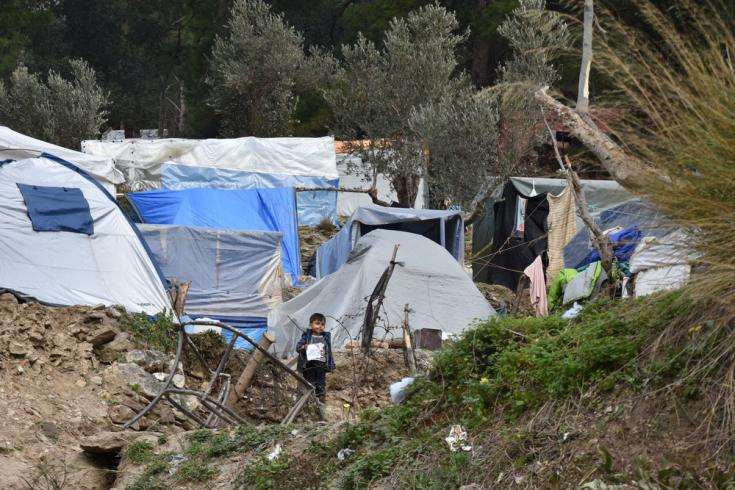 Alrededor de 8.000 personas viven en el hacinado campamento de refugiados de Vathy en la isla de Samos, Grecia, que está preparado sólo para 650 personas.