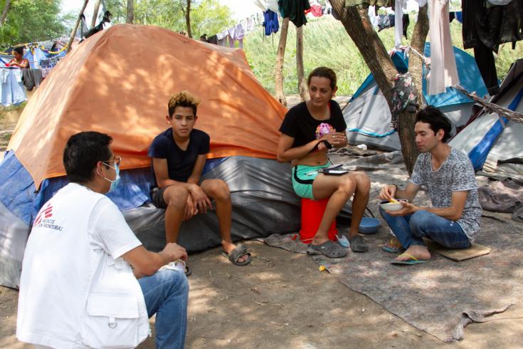 Actividades de promoción de la salud en el campamento de solicitantes de asilo en Matamoros, México.