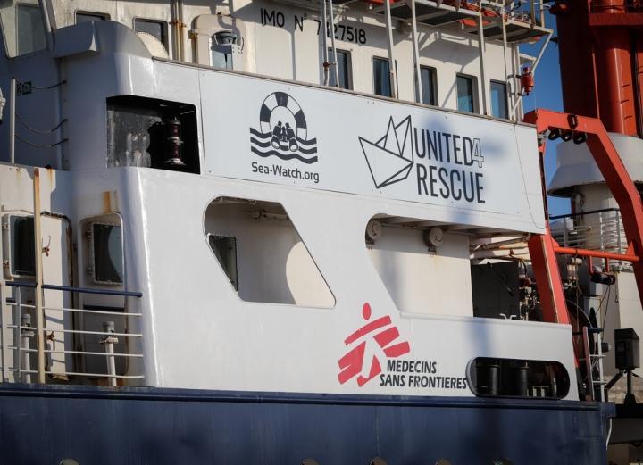 Fachada del Sea-Watch 4 en el puerto de Burriana. España, agosto de 2020.