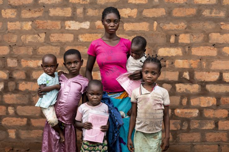 niños vacunados contra el sarampión