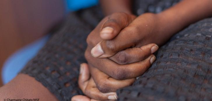 Las mujeres en Colombia siguen poniendo en riesgo su salud por las barreras a un aborto seguro.