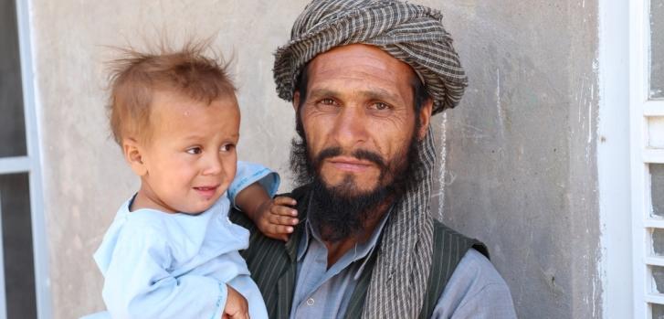 Después de que el hijo de 2 años de Mohamad comenzara a tener fiebre, dolor de estómago y una erupción en la lengua, llevó al niño a nuestra clínica en Kadhestan.