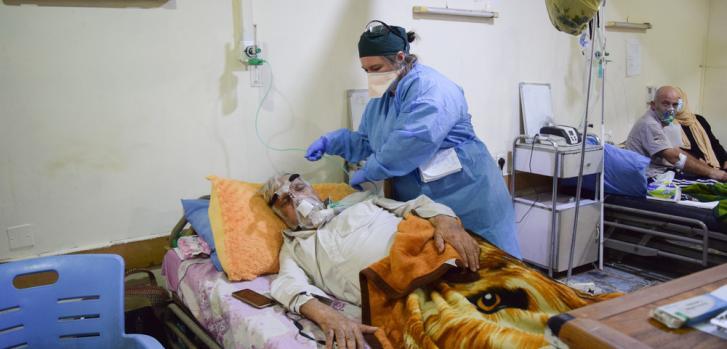 El hospital Al-Kindy, en Bagdad, Irak, está recibiendo un gran número de pacientes graves y críticos con COVID-19.