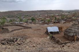 Vista sobre la ciudad de Rokero, Jebel Marra, Darfur.