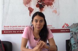Marianella, pediatra de Neuquén, en la oficina de Médicos Sin Fronteras en Buenos Aires, horas antes de tomar el vuelo que la llevará hasta Angola para trabajar en una epidemia de malaria.