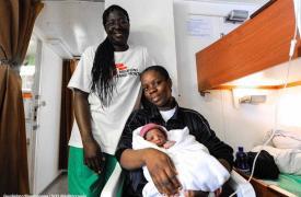 Miracle, el bebé que nació a bordo del barco de rescate Aquarius.