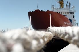 El barco de búsqueda y rescate Aquarius en Valencia.
