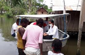 Atendiendo desde un bote - Intervención anterior en la región de Nariño