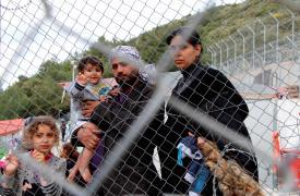 Familia iraquí en el Centro de detención de Samos.