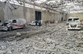 Foto de archivo: estas dos ambulancias de Guta oriental fueron destruidas durante un bombardeo aéreo en diciembre de 2016. La semana pasada, un hospital y una ambulancia apoyados por MSF también fueron dañados por bombardeos en la misma región. ©MSF