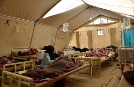 El departamento de pacientes femeninas hospitalizadas en el centro de tratamiento de cólera de MSF en Khmer. ©Nuha Haider/MSF