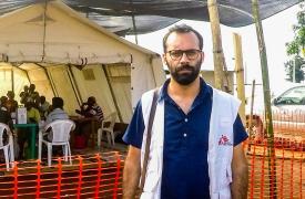 Joao Martins, jefe de misión de MSF en Angola, durante la intervención en Dundo. ©MSF