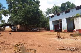 Fotografía del hospital de Zemio, en República Centroafricana, que ha quedado desierto luego de que los ataques de  grupos armados obligaran a la población a abandonar la zona. ©Josh Rosenstein/MSF