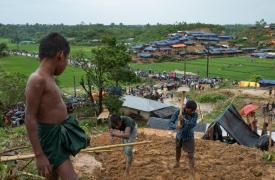 Refugiados rohingyas en un asentamiento en Bangladesh. ©Antonio Faccilongo/MSF