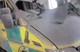 Una de las ambulancias del hospital Hama Central/Sham dañada por los ataques en el sur de Idlib, Siria ©MSF