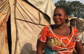 Esther Ngaindiro, de 30 años, ha vivido en el hospital de Batangafo desde que estallaron los enfrentamiento el 29 de julio. ©Natacha Buhler/MSF