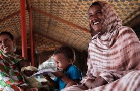 Mujeres y niños en el campo de refugiados de Mbera en Mauritania, 13/08/2018