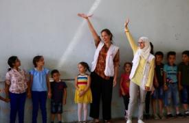 Yvette Aiello, psicóloga de MSF, trabajando con niños y niñas en Cisjordania.