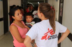 Migrantes venezolanos reciben ayuda médica y psicológica del equipo de Médicos Sin Fronteras en Colombia, que se encuentra trabajando en las provincias de La Guajira, Norte de Santander y Arauca.