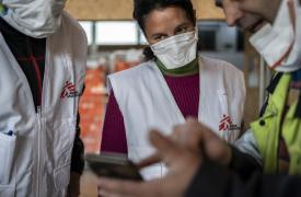 Equipo de Médicos Sin Fronteras en el hospital instalado para tratar enfermos de coronavirus en Alcalá de Henares, Madrid.