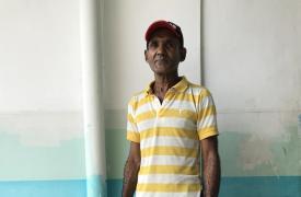 Santana Márquez tiene 61 años, vive en La Palencia, justo al límite con San Vicente y trabaja el campo. Es la quinta vez que tiene malaria, por eso cuando fue al Ambulatorio de San Vicente, uno de los centros de salud que apoya MSF en el estado Sucre
