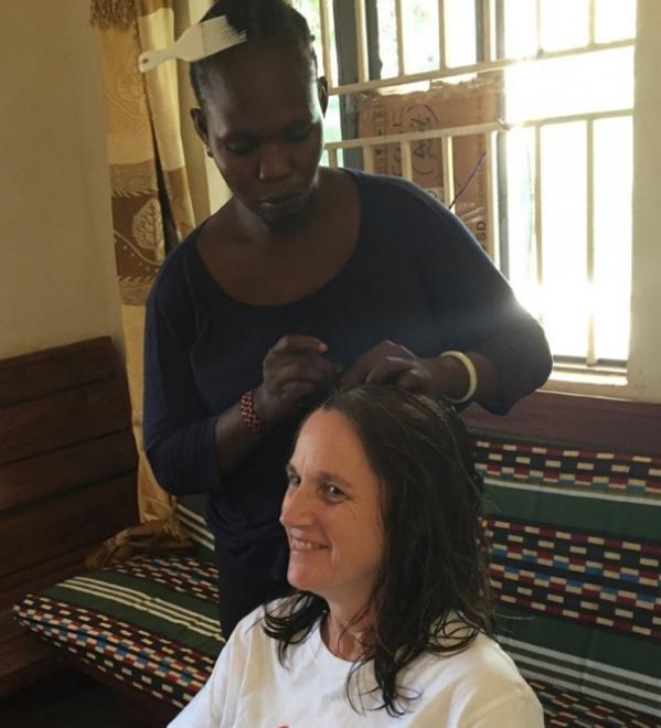 Una médica y una partera de Médicos Sin Fronteras